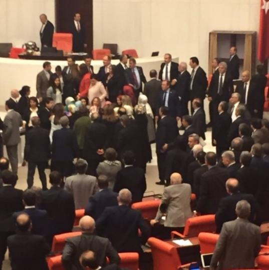 Kadın milletvekillerinin büyük kavgası! 11