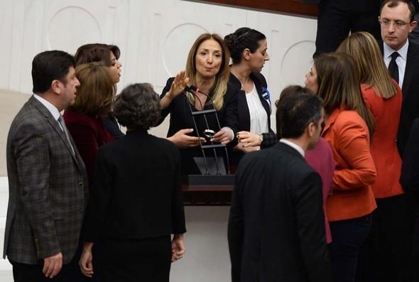 Kadın milletvekillerinin büyük kavgası! 2