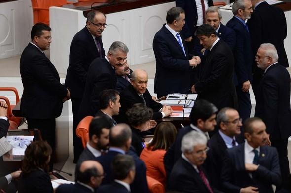 Kadın milletvekillerinin büyük kavgası! 3