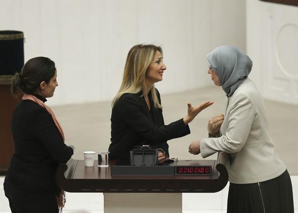 Kadın milletvekillerinin büyük kavgası! 7