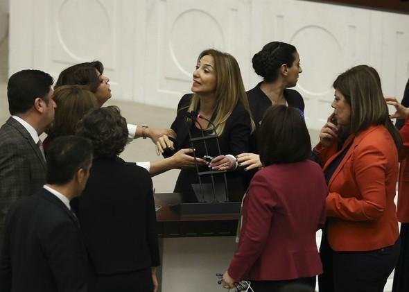 Kadın milletvekillerinin büyük kavgası! 8