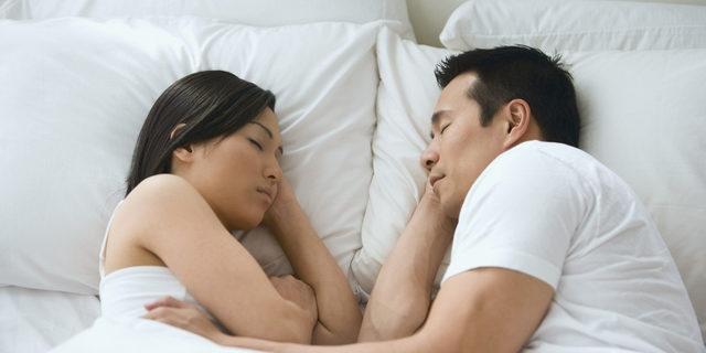 Uyku pozisyonunuz ilişkinizi anlatıyor 1