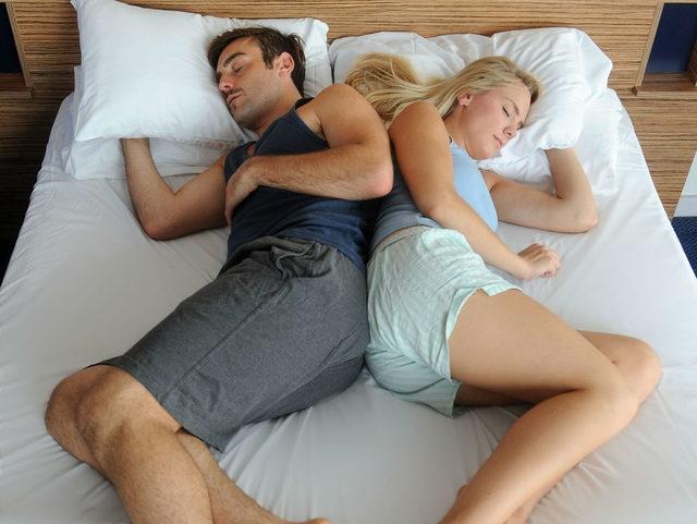Uyku pozisyonunuz ilişkinizi anlatıyor 2