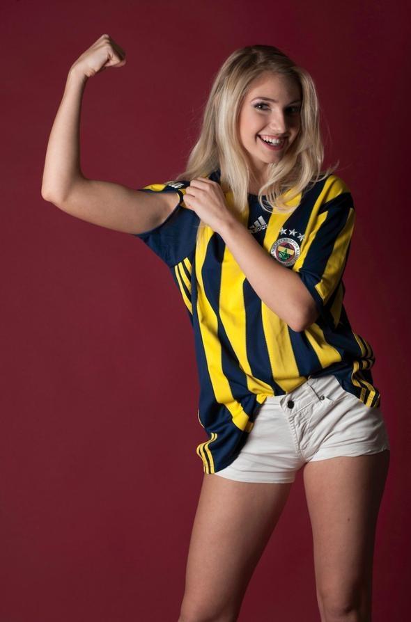 Dünyaca ünlü Fenerbahçeli manken 2