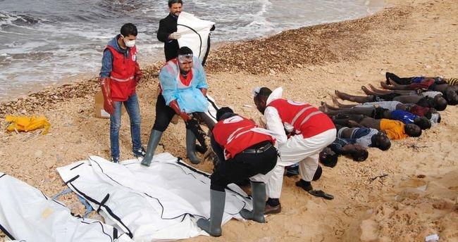 Korkunç görüntüler! İnsanlık kıyıya vurdu! 2