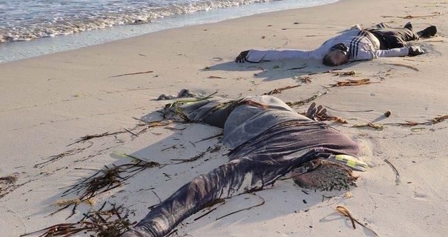 Korkunç görüntüler! İnsanlık kıyıya vurdu! 3