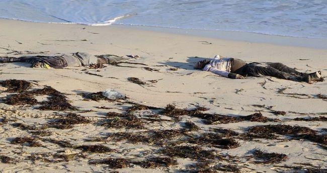 Korkunç görüntüler! İnsanlık kıyıya vurdu! 4