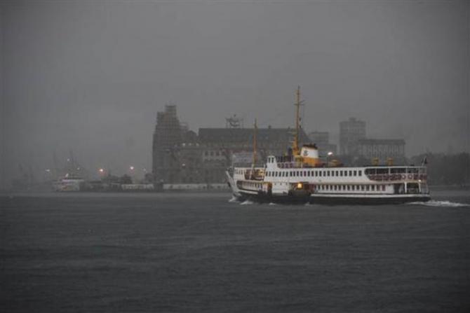 İstanbul'daki şiddetli yağmur sosyal medyayı salladı 49