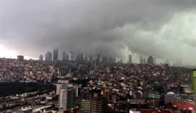 İstanbul'daki şiddetli yağmur sosyal medyayı salladı 57