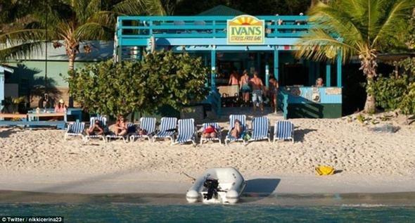 Dünyaca ünlü plaj kasırgadan yok oluyor 18