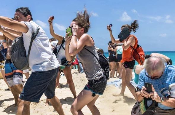 Dünyaca ünlü plaj kasırgadan yok oluyor 5