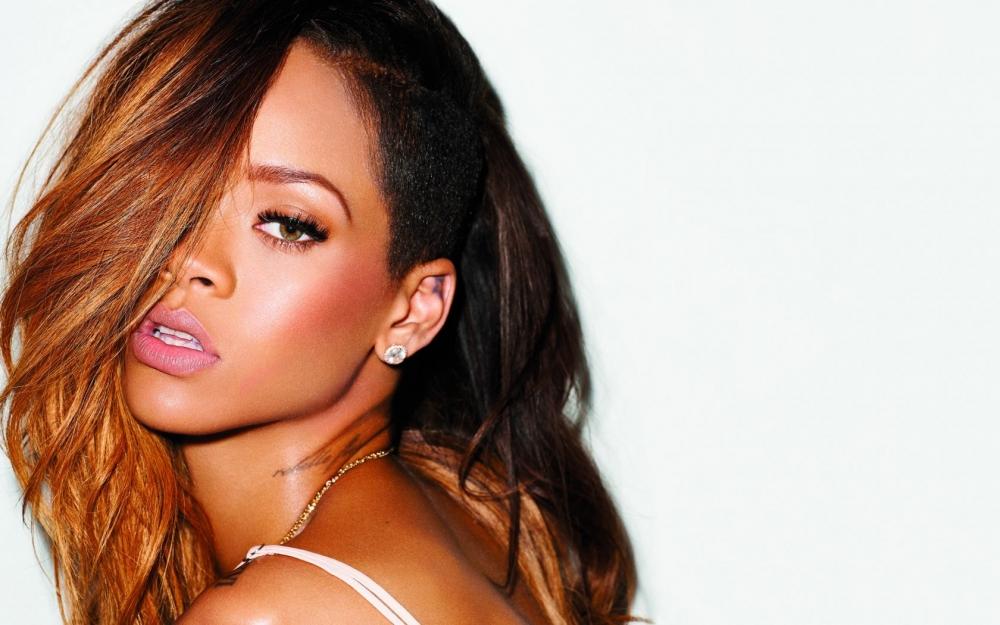 Rihanna, Puma'da işe başlayacak! 19