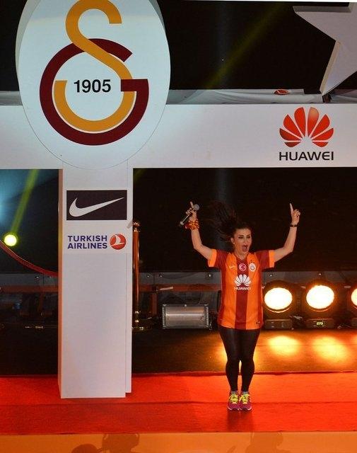 Galatasaray şampiyonluk kupasını aldı! 8