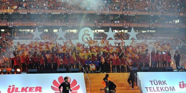 Galatasaray şampiyonluk kupasını aldı! 9