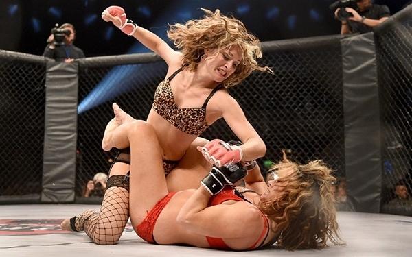 Kızların dövüş sanatı! Lingerie MMA 10