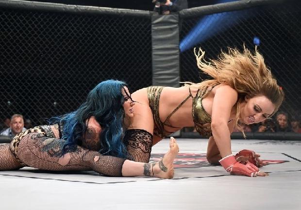 Kızların dövüş sanatı! Lingerie MMA 17