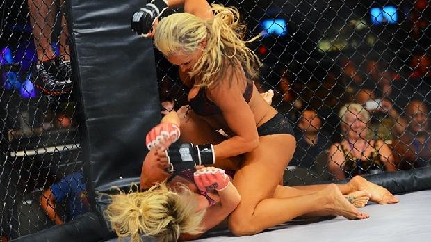 Kızların dövüş sanatı! Lingerie MMA 8