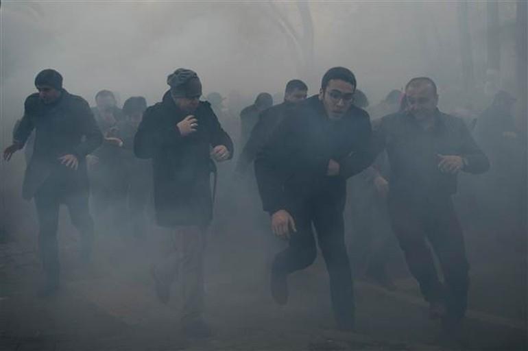 Zaman Gazetesinde Protesto Edenlere Polisten Sert Müdahale 12