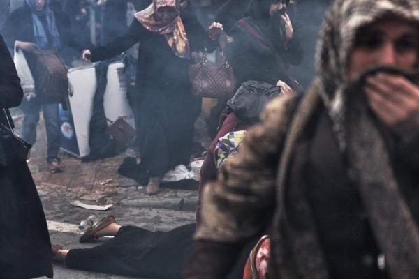 Zaman Gazetesinde Protesto Edenlere Polisten Sert Müdahale 14