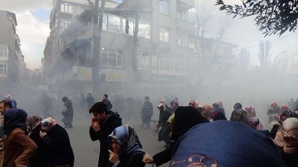 Zaman Gazetesinde Protesto Edenlere Polisten Sert Müdahale 15