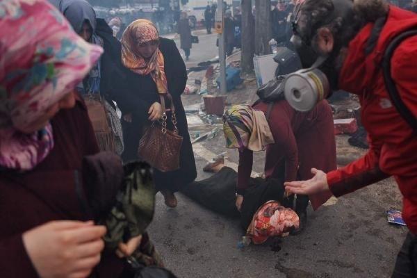 Zaman Gazetesinde Protesto Edenlere Polisten Sert Müdahale 3