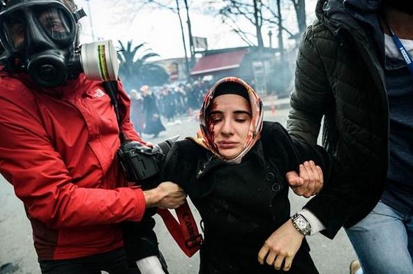Zaman Gazetesinde Protesto Edenlere Polisten Sert Müdahale 5