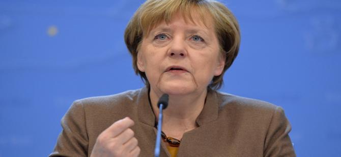 Merkel: AB'nin Türkiye'ye fon aktarımını azaltılmasını istedik