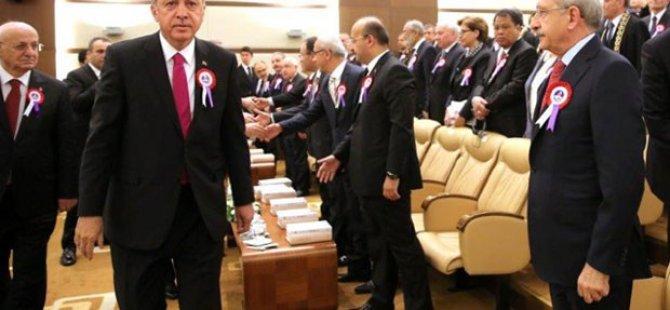 Erdoğan, Kılıçdaroğlu ile tokalaşmadı!