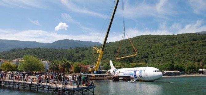 Özlem Çerçioğlu'ndan müthiş proje: Uçak batırma