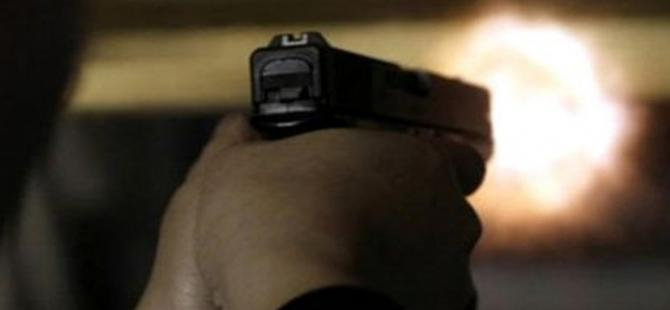 Kimlik soran polisleri vurdu