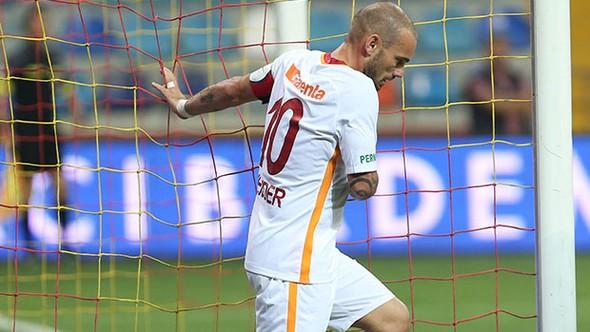 Wesley Sneijder'in annesi Sylvia'dan flaş sözler...