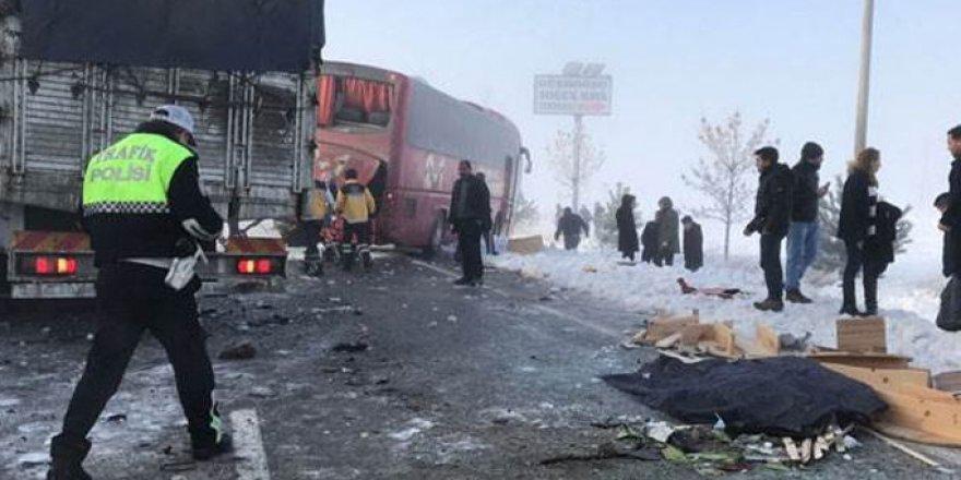 Burdur'da zincirleme kaza: 1 kişi öldü, 6 yaralı