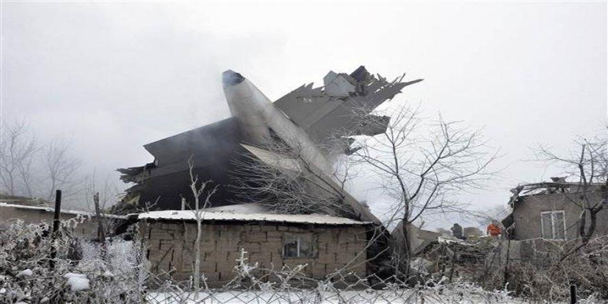 Flaş iddia: Uçak pilot hatası nedeniyle düştü