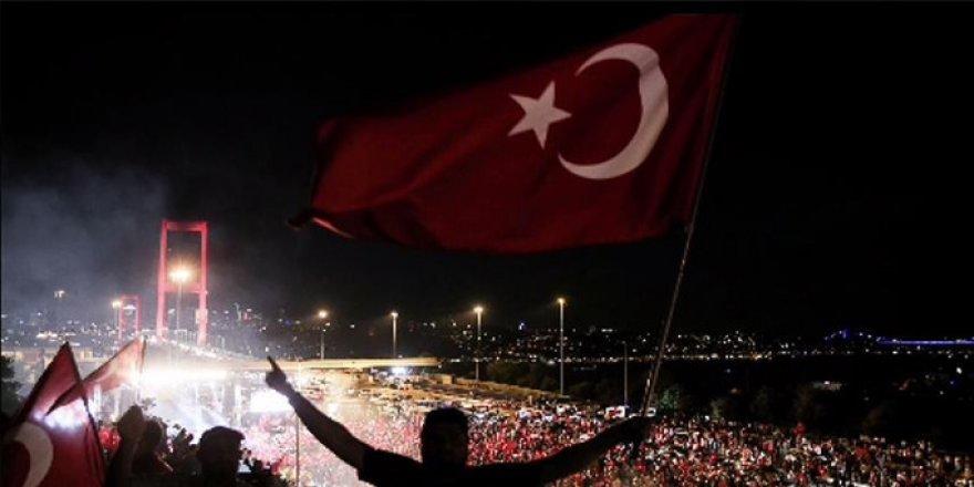 Son dakika: Yüzbinlerce kişi Şehitler Köprüsü'nde!