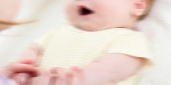 5 aylık bebeğin böbreklerinden 56 taş çıktı