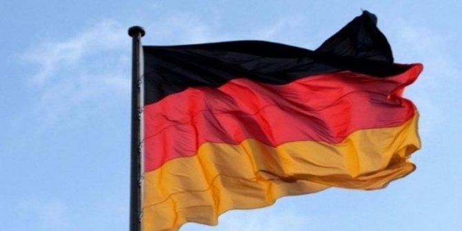 Almanya dört eski Türk subaya iltica hakkı tanıdı iddiası