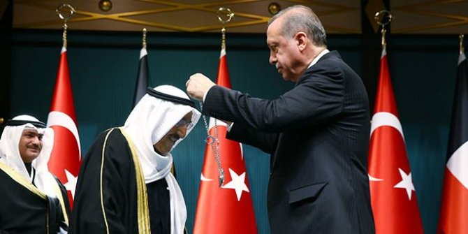 Kuveyt Emiri'ne devlet nişanı takdim etti