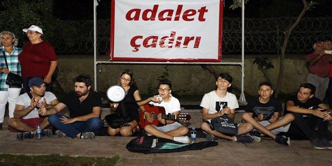 CHP'ye çadırdan sonra masa sandalye yasağı
