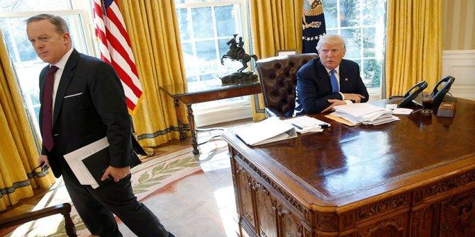 Beyaz Saray'da deprem! Sean Spicer istifa etti