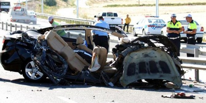 Kayseri'de trafik kazası: 4 ölü, 2 yaralı