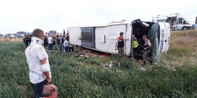 Yolcu otobüsü devrildi! Çok sayıda ölü ve yaralı var
