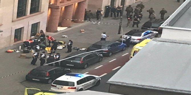 Belçika Brüksel'de terör saldırısı! Yaralı askerler var