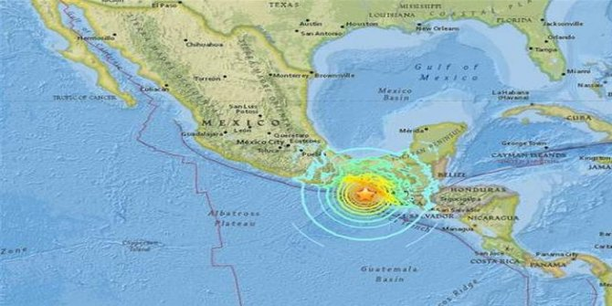 Son dakika: Meksika'da 8 şiddetinde deprem! Tsunami uyarısı yapıldı