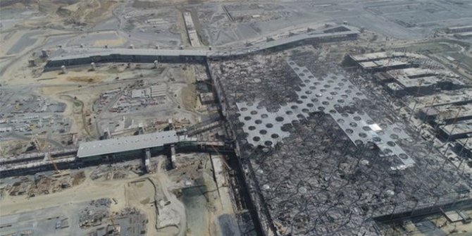 Üçüncü havalimanının yolcu köprüleri ilk kez görüntülendi