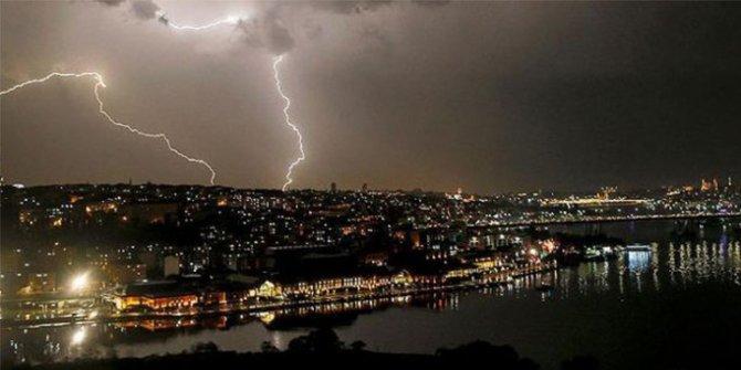 İstanbul'a akşam saatlerinde yağış geliyor
