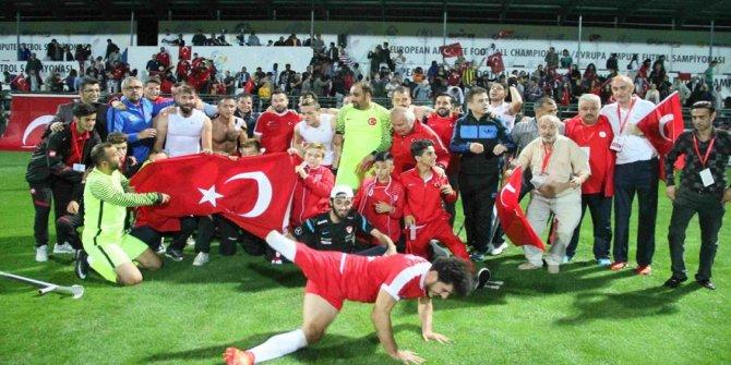 Haydi Türkiye! Bayrağını kap… Vodafone Park'ı doldur… Millilere destek ver…