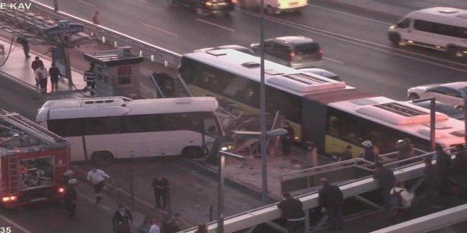 Son dakika! Minibüs metrobüs durağına girdi... Seferler durdu