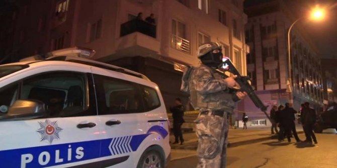 Son Dakika… Esenyurt'ta kimlik soran polislere silah çekerek ateş açtı!