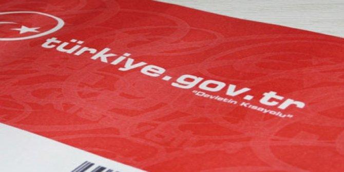 E-Devlet'in yeni uygulaması bugün başladı, sistem kilitlendi