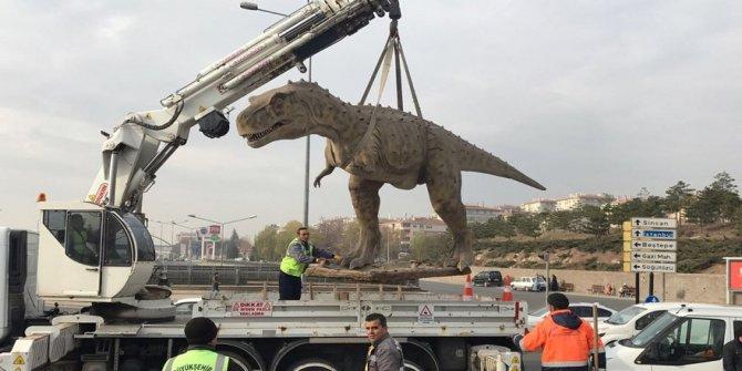 Melih Gökçek'in dinozorları söküldü!